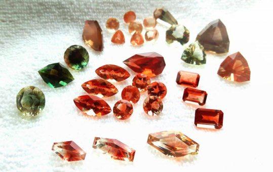 不同顏色的俄勒岡州日光石