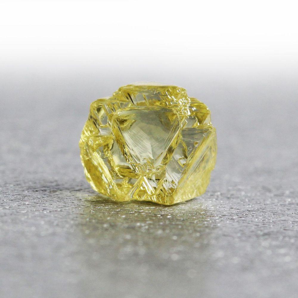 5. 黃色鑽石原石