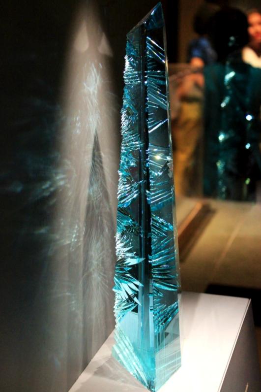 5. 世界最大的海藍寶石雕刻品-Dom Pedro,重達10395克拉.jpg